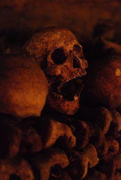 Paris catacombs 11