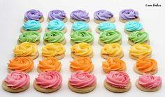 Divine Rose Cookies from I am Baker. Love the look of those cookies Rose Cookies, Flower Cookies, Cupcake Cookies, Iced Cookies, Rainbow Baking, Rainbow Food, Rainbow Art, Rainbow Unicorn, Rainbow Sugar Cookies