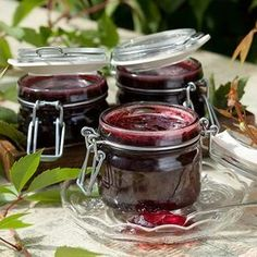Mustaherukkahyytelö Hillosokerilla tai Hillo-marmeladisokerilla - Reseptejä