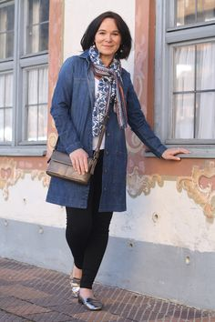 Lady of Style: Casual weekend look in denim dress and leggings - Styling Series Part 2