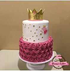 Pig Cakes, Cupcake Cakes, Cupcakes, 4th Birthday Parties, 3rd Birthday, Peppa Pig Birthday Cake, Theme Cakes, Pig Party, Casino Night