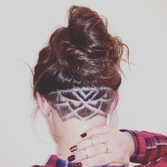"""Lotosa zieda iedvesma un matu """"tetovējums"""" @marta_salnaja izpildījumā #salonsgrieze #undercut #frizētava"""