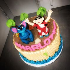 Happy #firstbirthday to this lucky girl!   #customcake #liloandstitch #edible #cakery #parkave #cakecam #fridgecake