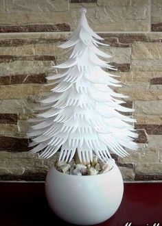 Looking for easy peasy Dollar Store Christmas Decor Ideas? Here is a wonderful collection of Dollar Store Christmas Decorating Ideas to help you out. Dollar Store Christmas, Christmas Tree Crafts, Christmas Projects, Simple Christmas, Holiday Crafts, Christmas Ornaments, Recycled Christmas Tree, Plastic Christmas Tree, Holiday Tree