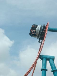 Sonic Spinball at Alton Towers Roller Coaster Park, Roller Coasters, Alton Towers Rides, Blackpool Pleasure Beach, Beach Rides, Riders On The Storm, Amusement Park Rides, Water Slides, My Ride