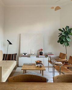 Living Room Inspiration, Interior Design Inspiration, Home Interior Design, Interior Architecture, Couch Magazin, Living Room Decor, Living Spaces, Apartment Living, Room Interior