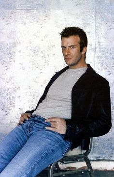 Check out production photos, hot pictures, movie images of Thomas Jane and more from Rotten Tomatoes' celebrity gallery! Hot Actors, Actors & Actresses, Gorgeous Men, Beautiful People, Thomas Jane, Dylan Mcdermott, Hollywood Men, Celebrity Gallery, Bear Men