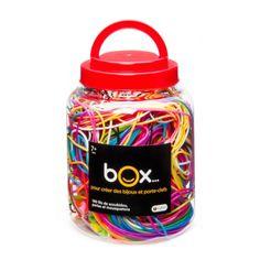 Ces 100 fils multicolores permettront aux enfants de créer de magnifiques scoubidous ! Il les personnalise en y ajoutant des perles, ou fabrique des porte-clés en y attachant les mousquetons. Un jeu indémodable des cours de récréation. Il peut également s'offrir aux invités lors des fêtes d'anniversaire.