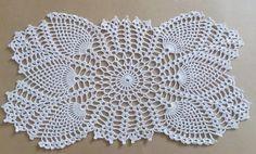 Oval crochet doily, pineapple crochet doily, oval lace doily, ecru doilies, 20 X 11 Crochet Table Runner Pattern, Free Crochet Doily Patterns, Crochet Tablecloth, Crochet Diagram, Filet Crochet, Crochet Designs, Diy Crafts Crochet, Crochet Gifts, Crochet Dollies