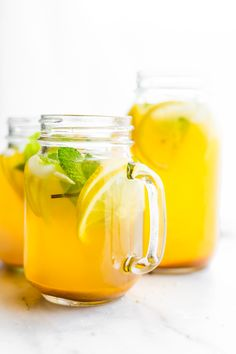 This Turmeric Ginger Lemonade with fresh Mint is great for fighting fatigue and reducing inflammation in the body. It's quick to make naturally sweetened and super refreshing! A homemade lemonade with a hint of spice tartness and Zing! Vegan paleo a Healthy Smoothies, Healthy Drinks, Healthy Recipes, Healthy Lemonade, Healthy Detox, Drink Recipes, Delicious Recipes, Juice Recipes For Kids, Healthy Food