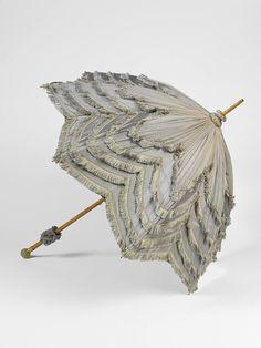 Parasol made by Mikhail Perkhin for Fabergé Victoria & Albert Museum, London Victorian Era, Victorian Fashion, Vintage Fashion, 1890s Fashion, Victorian Ladies, Umbrella Decorations, Vintage Umbrella, Vintage Fans, Antique Fans