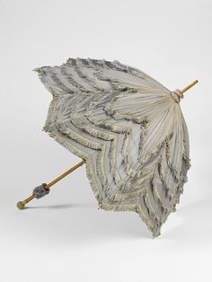 Late 19th or early 20th century parasol by Mikhail Perkhin, St. Petersburg, Russia. Courtesy of the V & A Museum.