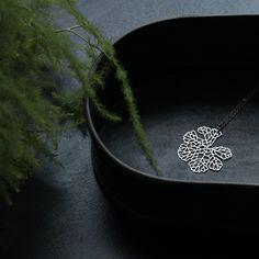 moorigin / Skeleton Leaf Pendant S Silver