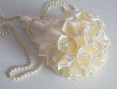 Buquês feitos de origami são divertidos e descolados para noivas jovens - Casamento - UOL Mulher
