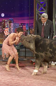 Actress Alyssa Milano participates in the pig performance segment with host Jay Leno on September 3 2003 Alyssa Milano Young, Beautiful Person, Beautiful Women, Black Dress Red Carpet, Elodie Yung, Charmed Tv Show, Animal Activist, Cute Prom Dresses, Country Girls