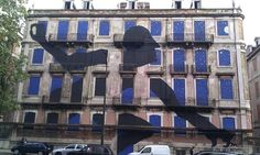 Portugal+Art   giant graffiti burglar in Lisbon. Photograph: Rachel Dixon for the ...