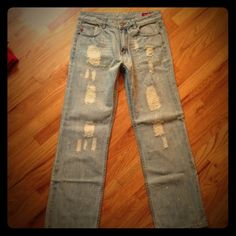 Seven7 Distressed Straight Leg Jeans Sz 14 Seven7 Distressed Straight Leg Jeans Sz 14   These Jean may have been worn... But in PERFECT Condition! fit like 12. Seven7 Jeans Straight Leg