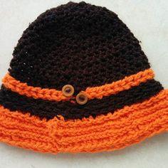 Χειροποίτο σκουφί πορτοκαλί καφέ με 2 καφέ μικρά κουμπιά Crochet Hats, Beanie, Fashion, Knitting Hats, Moda, Fashion Styles, Beanies, Fashion Illustrations, Beret