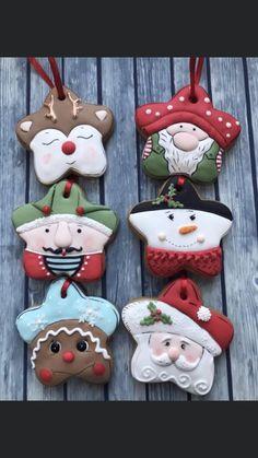 No Bake Sugar Cookies, Fancy Cookies, Iced Cookies, Cute Cookies, Royal Icing Cookies, Cupcake Cookies, Cookies Et Biscuits, Snowflake Christmas Cookies, Christmas Sugar Cookies