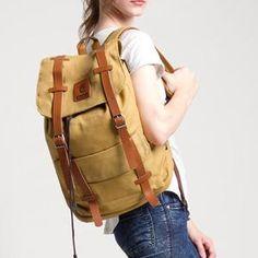 ESGOTADO FINTAGIO QUINTO CREAM Leather Backpack, Backpacks, Bags, Fashion, Handbags, Moda, Leather Backpacks, Fashion Styles, Backpack