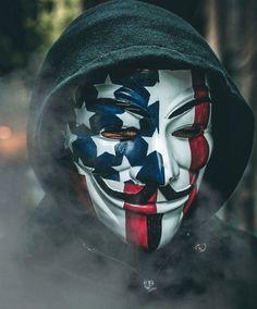 V For Vendetta Comic, Joker Iphone Wallpaper, Hacker Wallpaper, Joker Tatto, Joker Cosplay, Joker Quotes, Anonymous, Riding Helmets, Comics