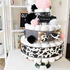 Cow Baby Showers, Cowgirl Baby Showers, Baby Girl Shower Themes, Baby Shower Gender Reveal, Baby Shower Cakes, Baby Shower Gifts, Baby Gifts, Cow Cakes, Cow Birthday