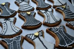 Black, white and gold corset cookies