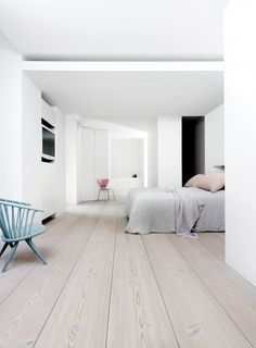 White Wood Floors Bedroom Luxury White Bedroom Floor Home Design Ideas Farmhouse Style Bedrooms, Farmhouse Bedroom Decor, Casas Country, White Wood Floors, Bedroom Flooring, Oak Flooring, Wooden Flooring, White Wash Laminate Flooring, Bedroom Wood Floor