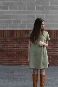 Sewing Clothes Patterns DIY Boxy Dress with a Pocket - FREE Sewing Pattern and Tutorial Sewing Patterns Free, Free Sewing, Clothing Patterns, Dress Patterns, Pattern Dress, Free Pattern, Coat Patterns, Sewing Clothes, Diy Clothes