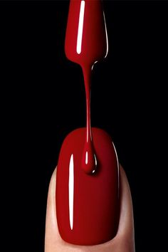 The history of red nails. Who started the trend of red nail polish and how it become popular plus many beautiful photos of women with red nails. My Favorite Color, My Favorite Things, I See Red, Nagel Blog, Red Nail Polish, Nail Polishes, Nail Nail, Red Nail Varnish, Red Pictures