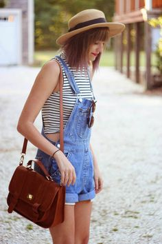 vintage overalls on the vineyard. |Steffys Pros and Cons | NYC Vintage Fashion Blog