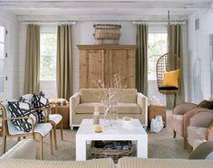 Creating a cottage living room, isn't that difficult. For a cottage living room look, you should stick to a soft color palette in your living room. Living Area, Living Spaces, Cottage Renovation, Cottage Living Rooms, Modern Cottage, Atlanta Homes, World Of Interiors, Interior Inspiration, Room Inspiration