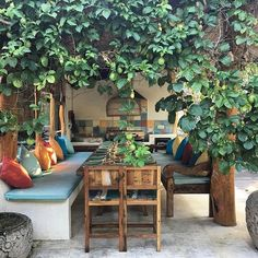 "186 Likes, 5 Comments - Mu Bungalows (@mu_bali) on Instagram: ""Dining table at villa kubuku thank you @raphreponty for the great photo#mubali #boutiquehotel…"""