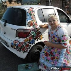 she paints her life Car Paint Diy, Car Paint Jobs, Diy Car, Modern Gypsy, Hungarian Embroidery, Car Goals, Automotive Art, Car Painting, Custom Paint