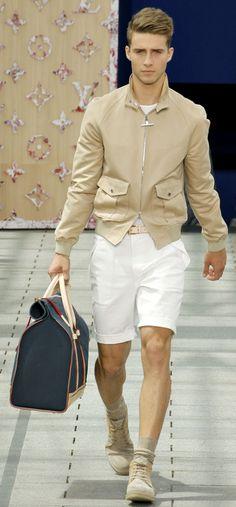 by Louis Vuitton, qué linda chaquetilla...