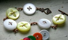 CRAFTY SUZANNE: Homemade for Mom: BUTTON JEWELRY