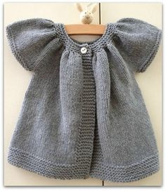 Tricot - no pattern - just idea Knitting For Kids, Baby Knitting Patterns, Baby Patterns, Free Knitting, Knit Or Crochet, Crochet For Kids, Crochet Baby, Knitted Baby Clothes, Baby Cardigan