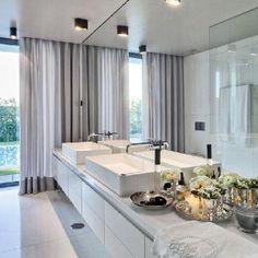 Bathroom by Casa do Passadiço