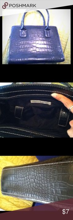 👜Black Satchel Handbag👜 Purse and straps are faux leather. Inner lining is also black one side of inner lining has 2 pen holder and 3 cards pocket, other side has large zippered pocket and 3 pocket, 2 has Velcro close. It measure 10x14 & strap 10.5 large enough to carry a books! Excellent condition! Tommy Hilfiger Bags Satchels