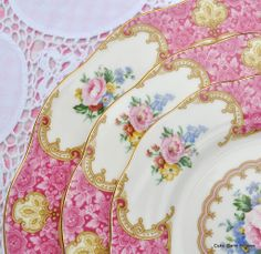 Royal Albert Lady Carlyle Pattern Cake Stand Plates Antique Dishes, Vintage Dishes, Vintage Love, Vintage China, 3 Tier Cake Stand, Pink Plates, Patterned Cake, Great Wall Of China, China Tea Cups