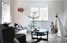 """Our livingroom in the Danish magazine """"Hendes Verden"""" Danish, Interior Decorating, Magazine, Living Room, Home, Danish Pastries, Ad Home, Magazines, Home Living Room"""