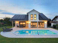 Einfamilienhaus Wenninger • Traumhaus von Fertighaus WEISS • Großzügiges Energiesparhaus in Fertigmassivbauweise • Jetzt bei Musterhaus.net informieren!