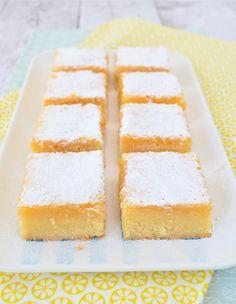 lemon bars (Laura's Bakery) Bakery Recipes, Dessert Recipes, Desserts, Lemon Curd Cake, Cake Recept, Baking Bad, Custard Cake, Lemon Bars, Four