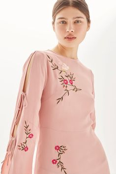 Embroidered Tie Sleeve Midi Dress - New In Dresses - New In - Topshop Embroidery Suits Punjabi, Embroidery On Kurtis, Kurti Embroidery Design, Embroidery On Clothes, Embroidered Clothes, Embroidery Fashion, Embroidery Dress, Designer Kurtis, Silk Kurti Designs