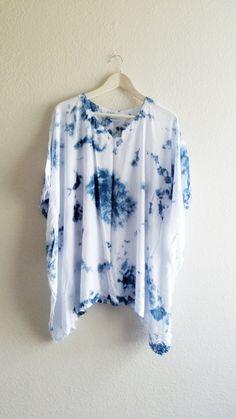Maternity Poncho | Shibori Poncho| cover up poncho| beach wrap| Indigo Shirt| Hand dyed shibori poncho| Blue and white poncho | women poncho by Woolables on Etsy