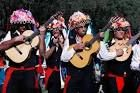Los Verdiales son una de las formas musicales más antiguas de la península ibérica, donde se recogen elementos de culturas como la fenicia, la romana o la musulmana. Constituyen una fiesta de tradición oral interpretada por agrupaciones denominadas Pandas. Se dan en la Axarquía, el Valle del Guadalhorce y los Montes de Málaga.  Sería un candidato ideal para Patrimonio Inmaterial, según el criterio III. https://www.youtube.com/watch?v=KhGTVXK7Uvw