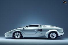 FOTOGRAFIA - El coche mas innovador de su generación, un dechado de virtudes como el diseño, la tecnologia y la pasion por conducir - 1985 Lamborghini Countach