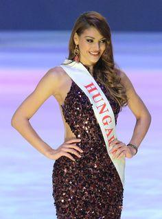 Kulcsár Edina. Ilyen jó eredményt még egyetlen magyar sem ért el Miss World, Lany, Beauty Pageant, London England, Hungary, Got Married, Culture, Formal Dresses, Celebrities