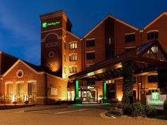 Lincoln Holiday Inn Lincoln United Kingdom, Europe Holiday Inn Lincoln is conveniently located in the popular Carholme area. Both business travelers and tourists can enjoy the hotel's facilities and services. Facilities like 24-hour front desk, facilities for disabled guests, express check-in/check-out, luggage storage, car park are readily available for you to enjoy. Non smoking rooms, air conditioning, heating, desk, mini bar can be found in selected guestrooms. Access to th...