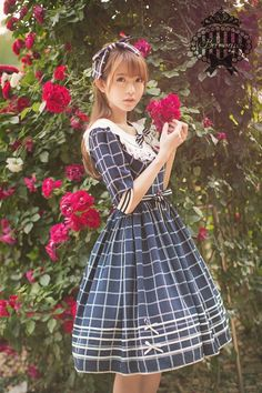 Fashion: Sailor Lolita kawaii Japanese Street Style